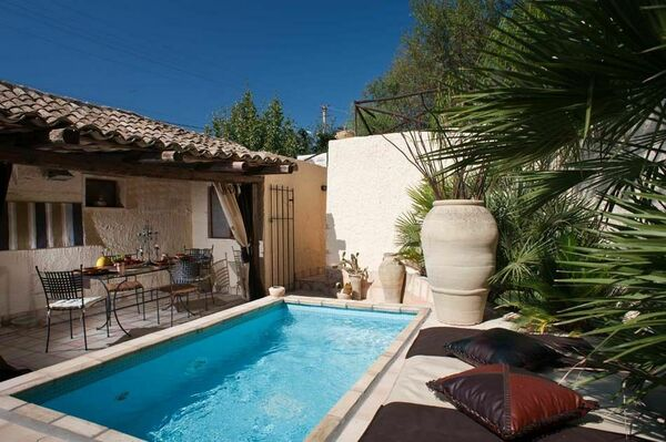 House sleeps 4 with private pool, Sicily