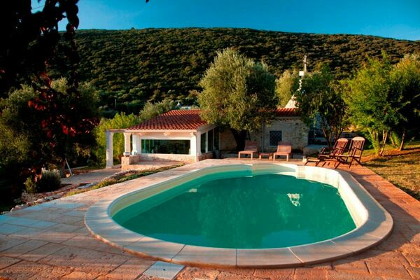 Villa sleeps 6, private pool, Puglia