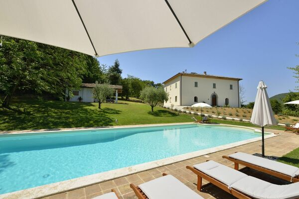 Villa Ascagnano, sleeps 11, private pool, Tuscany.